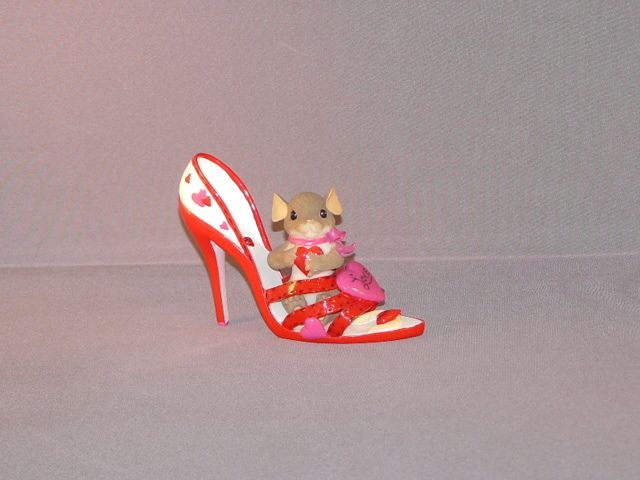 CHARMING TAILS YOURE A LOVING SOLE Valentines Day NIB Red Heart